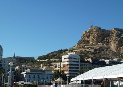 Вид на крепость Санта-Барбара. Аликанте, Испания