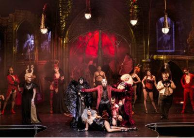 Циркового шоу Cabaret Maldito Сусо Сильвы. Аликанте, Испания