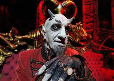 Главный персонаж Циркового шоу Cabaret Maldito Сусо Сильвы. Аликанте, Испания