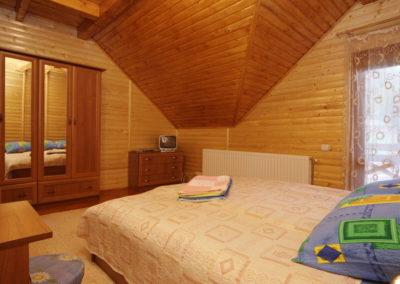 Спальня на 2 этаже. Отдых в коттеджах в горах Закарпатья
